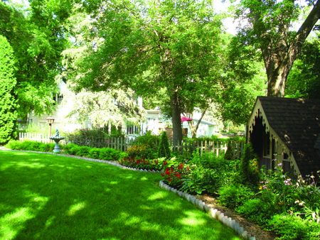 aug 2015 yard of the month