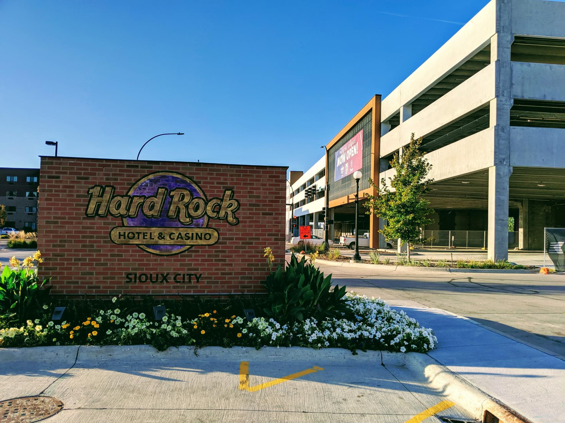 Hard Rock Garage